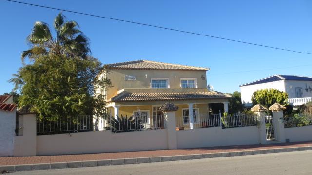 Ref:NP-94385 Villa For Sale in Torrevieja