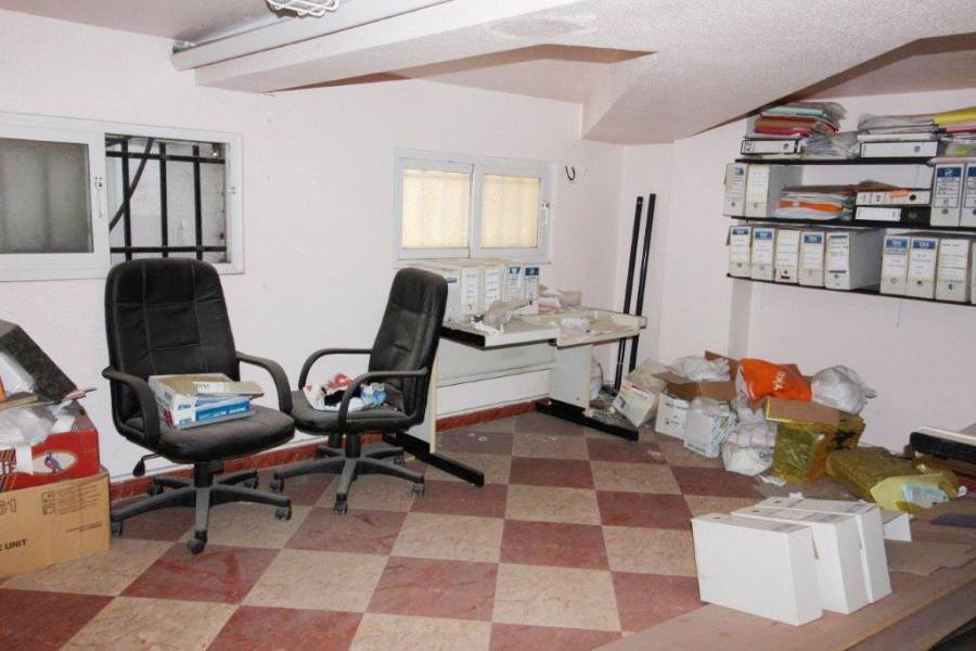 second hand hus - Local Comercial - La Mata  - Centrum